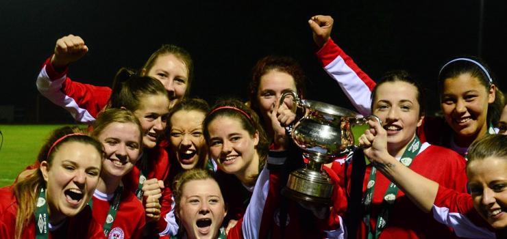 Shelbourne U18s cup winners.jpg